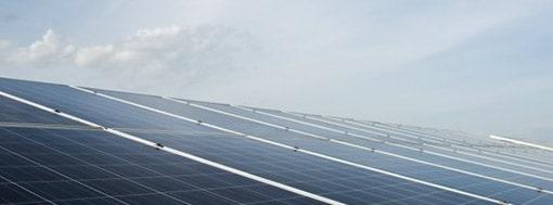 Vinduespudser drevet med solceller